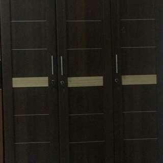 Lemari 3 pintu DAERAH PESANGGRAHAN,ULUJAMI