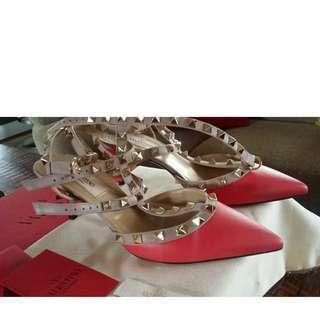 Brand New Valentino Size 38.5 Rare Colour Mid Heels