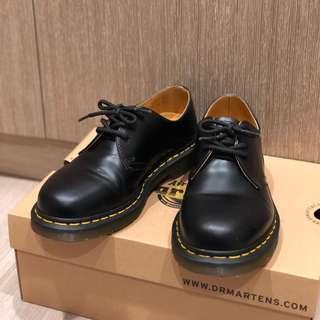 🚚 Dr. Martens 1461 三孔鞋/馬丁鞋/黑 女鞋
