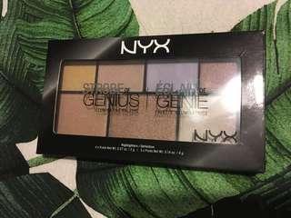 NYX Strobe of Genius Highlighter Pallette