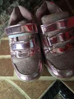 Sepatu anak perempuan size 29