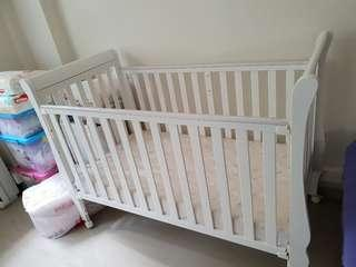 Happy moments baby cot