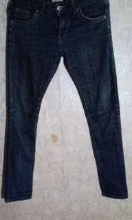 Repriced!!Authentic Burberry Denim Jeans for men size 29