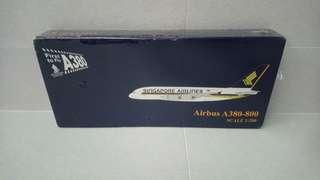 Airbus A380-800 First to Fly 1:200