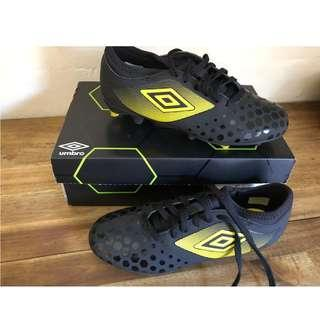 Brand new size 5 Football shoes