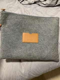 Sulwhasoo laptop casing bag