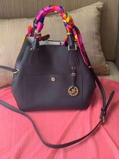 <Price Reduced!!> Michael Kors Dual Design Black Leather Hangbag