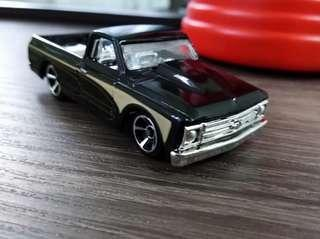 Mattel 67 Chevy C10 Scale 1/64