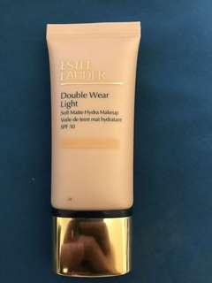 Estee Lauder Double Wear Light Soft Matte