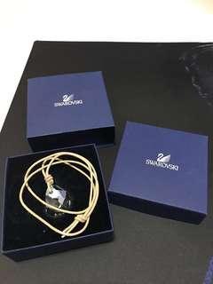 🚚 Emarald green crystal Swarovski Necklace