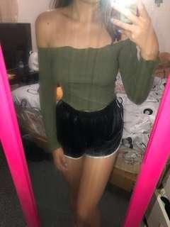 ☘️Khaki long sleeve off shoulder top