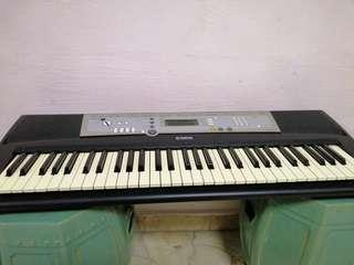 Used Yamaha PSR E203 Electronics Keyboard. Still in working condition.