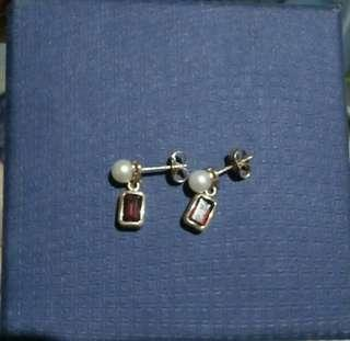 14k Pearl and Garnet dangling earrings