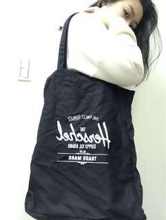🚚 Herschel 帆布袋