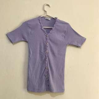 baju ungu muda