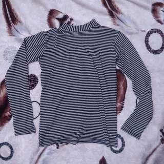 Sweater garis garis