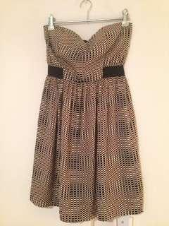 Cute silky strapless dress