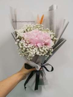 Fresh flowers bouquet Hydrangea Bouquet mixed white baby's breath hand bouquet