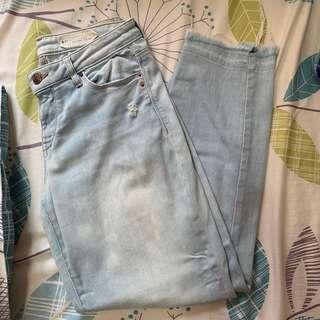 🚚 Light denim skinny jeans