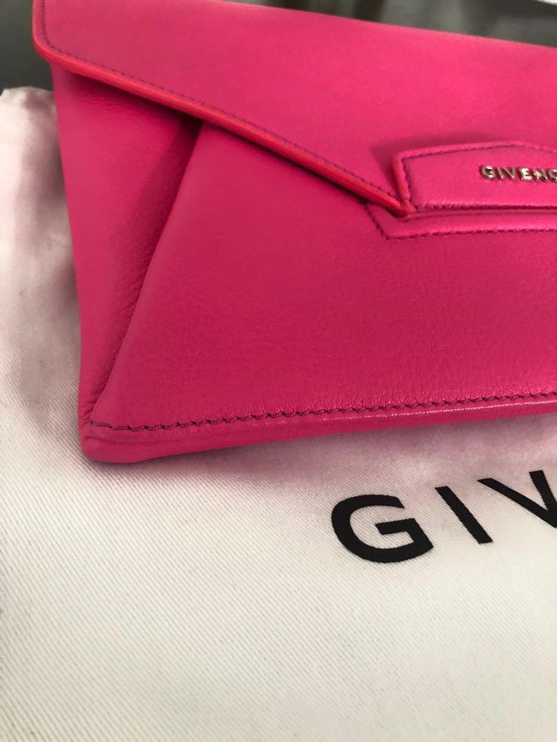 Authentic Givenchy Antigona Envelope Clutch- Medium RRP $1830 **final price reduction**