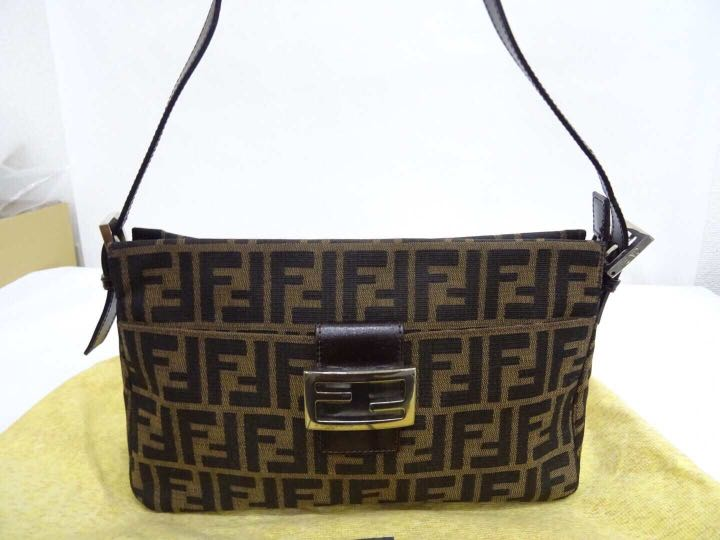 72bb917a589b3 Authentic vintage Fendi handbag sling bag