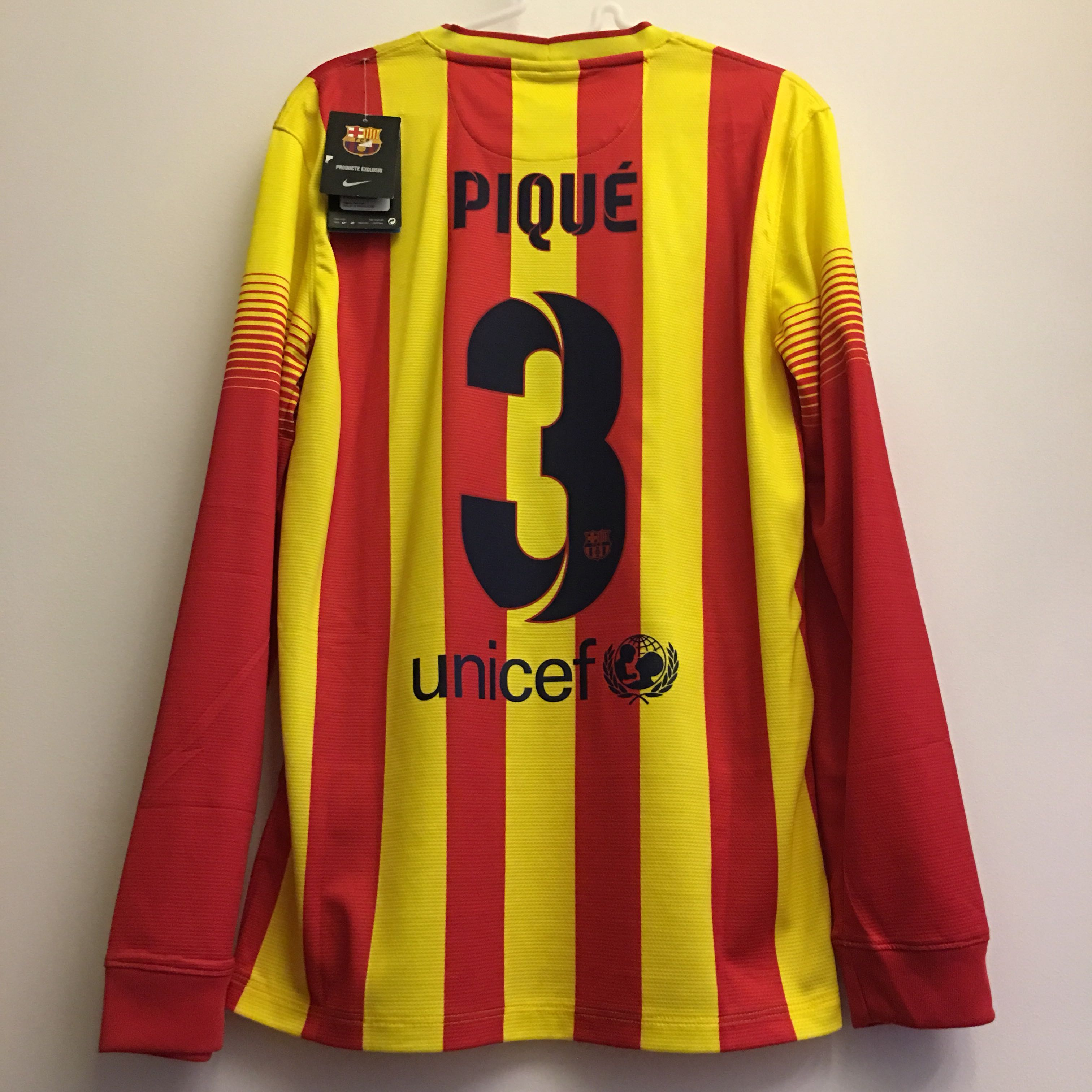 c24c56cf199 BNWT] Barcelona 2013/14 Away Jersey with 'Pique' Nameset, Sports ...
