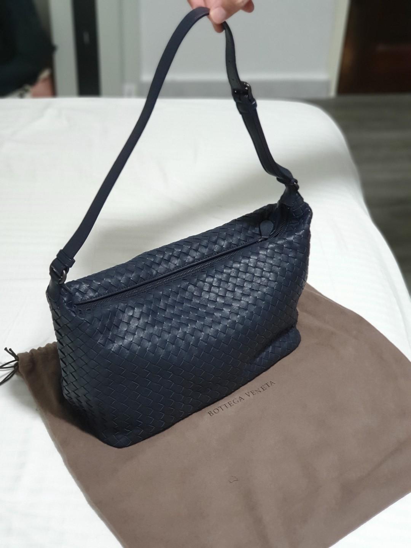 b54a8a285c Bottega Veneta Shoulder Bag