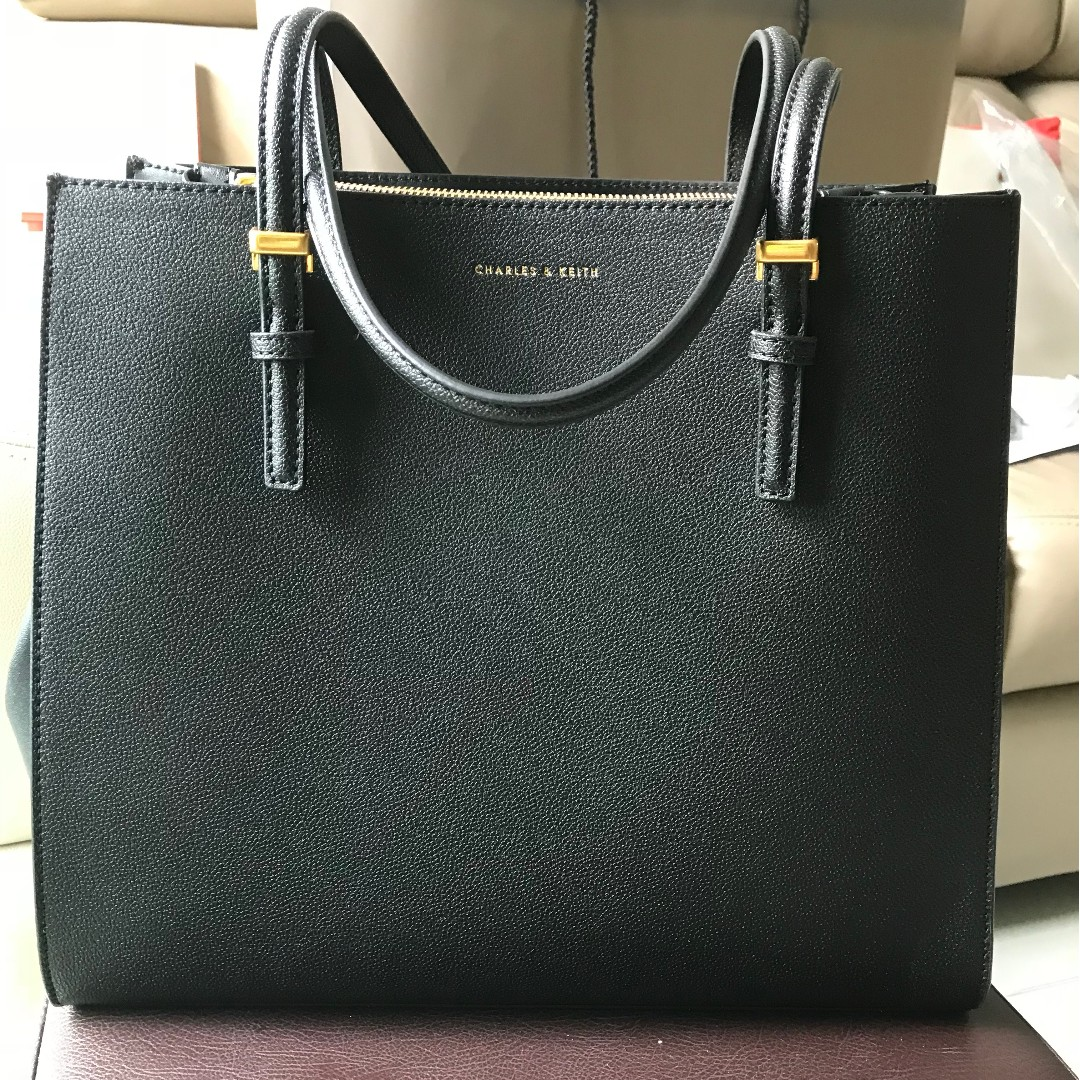 855496657a Charles   Keith Oversized Structured Tote Bag (Black)