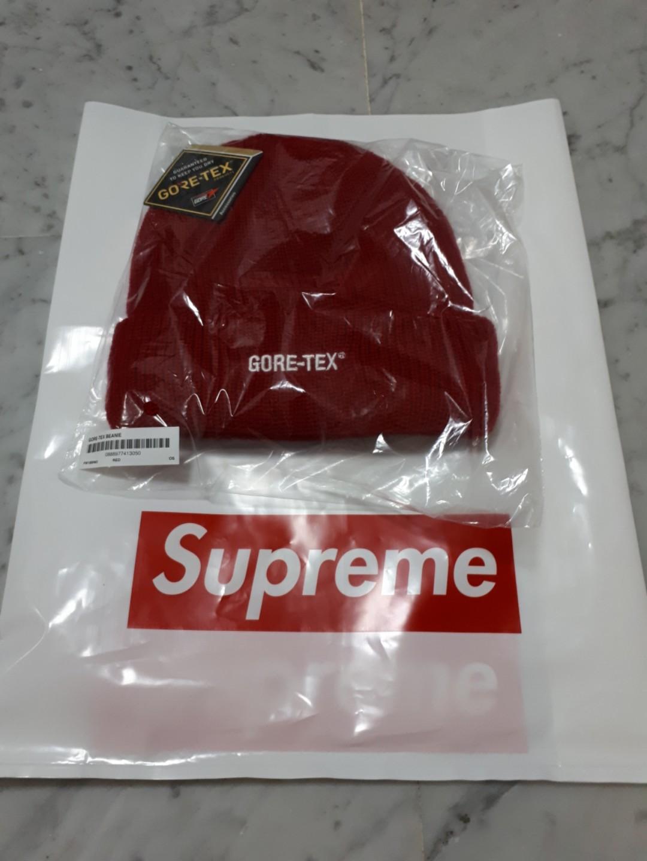 b426e465a65f6 FW18 Supreme Gore tex beanie Red