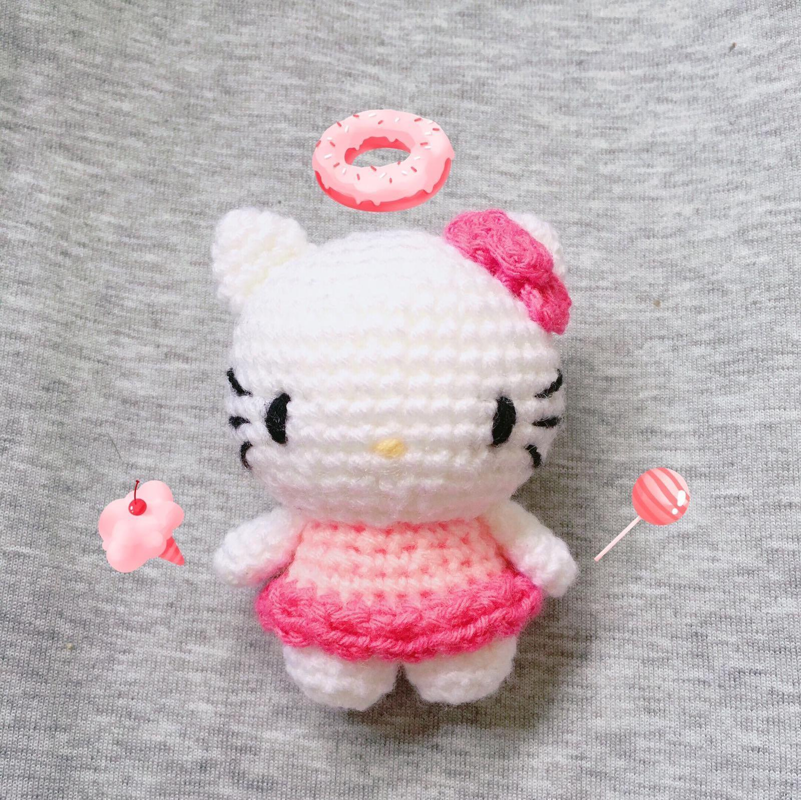 Hello Kitty Amigurumi Inspiration Photos & How to Create Your Own ... | 1597x1600