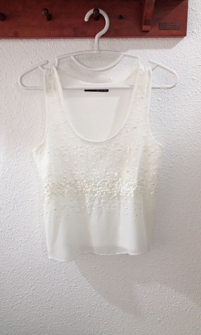 556ca149a153d LN Atmosphere White Sequin Top