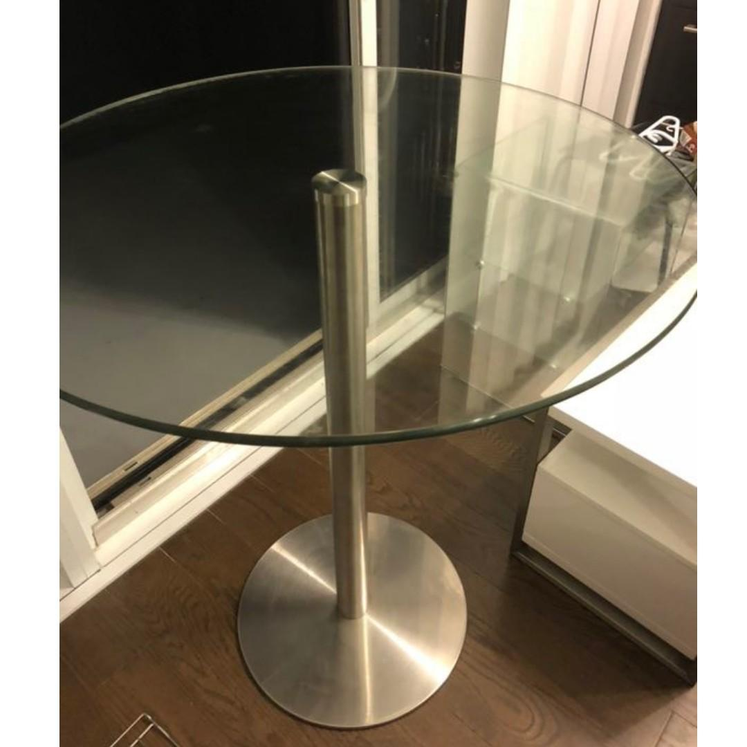 Modern Glass Roundtable
