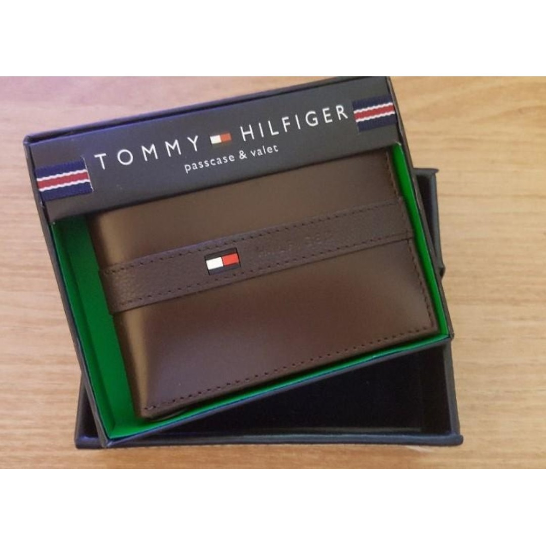 f2f82f8b2e2 New Tommy Hilfiger Men's Ranger Leather Passcase Wallet with Removable Card  Case gift box, Men's Fashion, Bags & Wallets, Others on Carousell