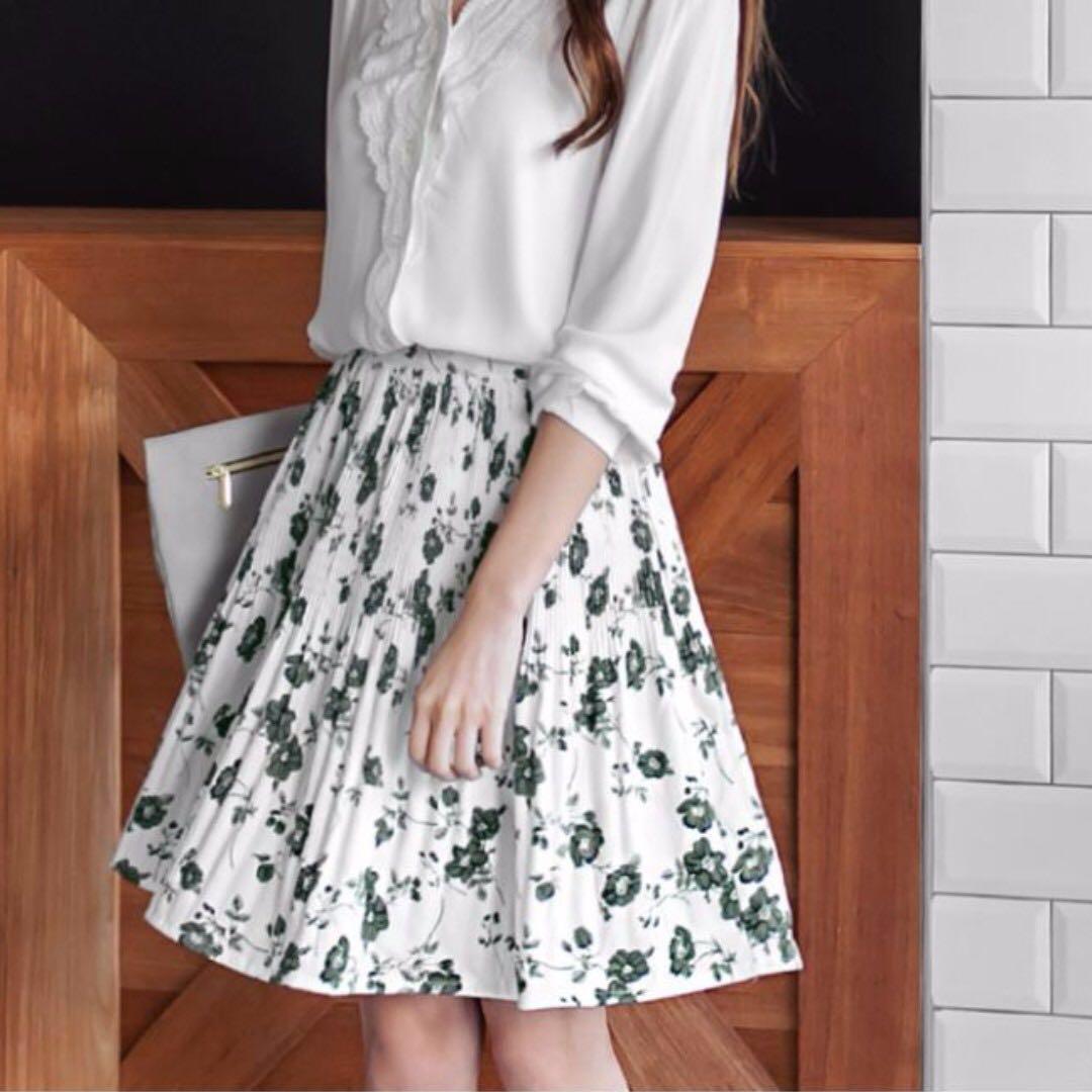 d17280b357d Plus Size Flower Design Pleated Skirt