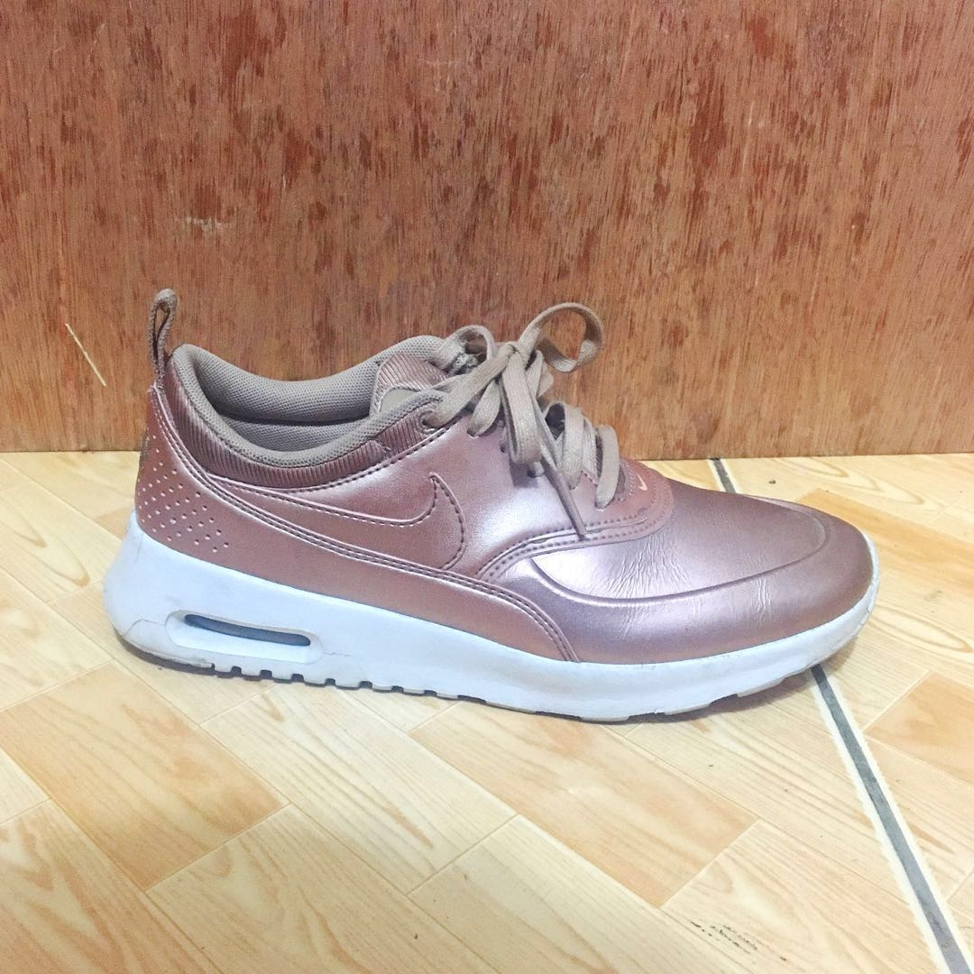 sports shoes bc0a6 66af9 ✅REPRICED  Nike Air Max Thea SE Rose Gold, Women s Fashion, Shoes on  Carousell