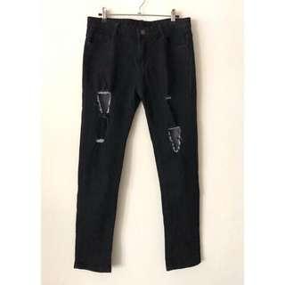 🚚 超彈性破洞牛仔長褲 顯瘦款丹寧黑褲 個性牛仔褲 刷破 刀割黑褲