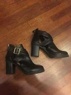 Pull&Bear Cut Out Leather Boots