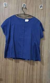 Baju biru Gaudi
