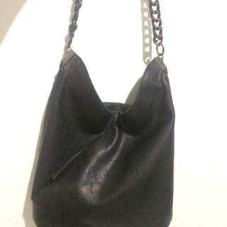 ZARA chain bucket