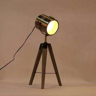Adjustable Tripod Spotlight Lamp