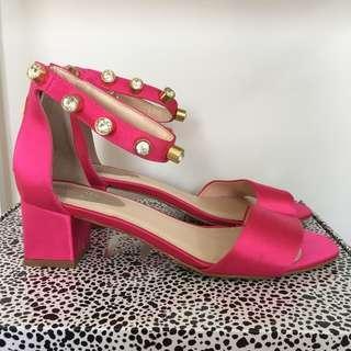 kat maconie bright pink satin heels rrp $170