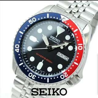 Brand New Seiko SKX009 SKX009K With Box, Papers And 1 Year Warranty. Seiko Automatic SKX009K2 Stainless Steel Band