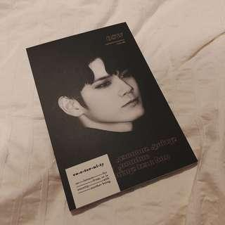 WANNA ONE Ong Seongwoo Exhibition 'co-eternity' by BLUEFOREST - Postcard Book Set