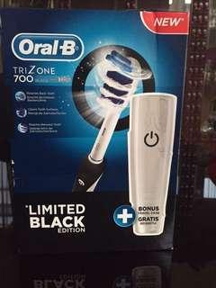 Oral B TriZone 700 Limited Black Edition New!!