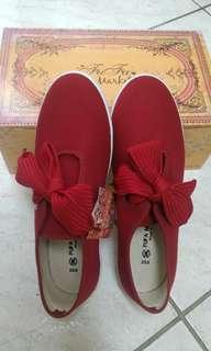 🚚 紅色帆布鞋(二手全新品)