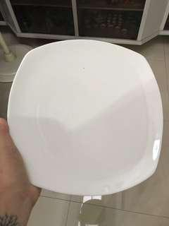 Square main course plates (33 pcs)