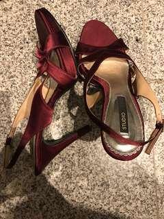 Clearance! Never worn studio Tangs red heels