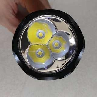 C8F 3x CREE 3500lm 21700 18650 High Power LED Flashlight.