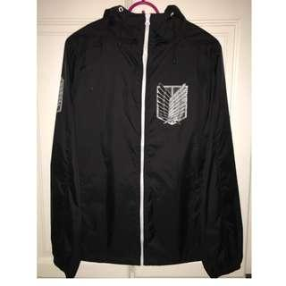 Attack on Titan-Survey Corps Hooded Windbreaker/ BLACK x WHITE - S