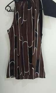 ZARA sleevless Top motif batik